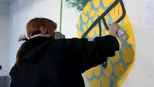 Painting a pineapple Maki is more clever than you think.