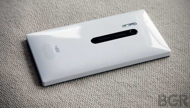 Nokia Lumia 928 Reviews Arrive, Inspire Windows Phone Fanboy Rage