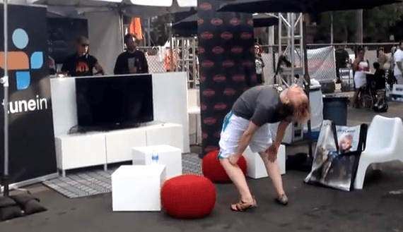 Drunk dude dances at E3